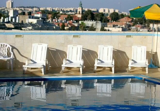 Caeser Premier Hotel - Swimming Pool