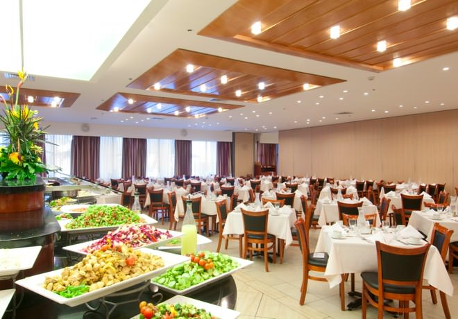 Ramada Hotel - Dining Hall