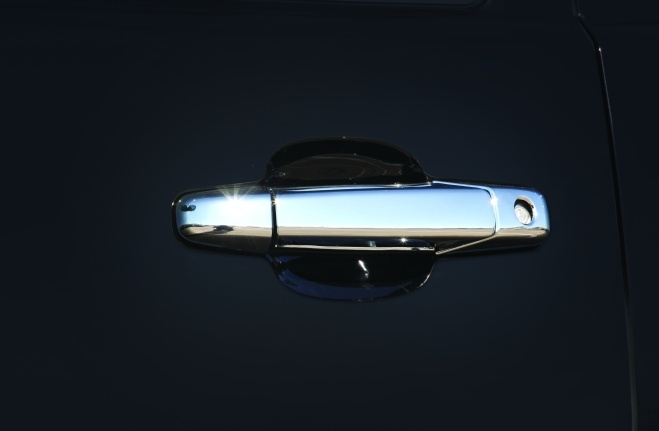 A33-Chrome Kit 1: Side Mirrors, Fuel Tank, Handles