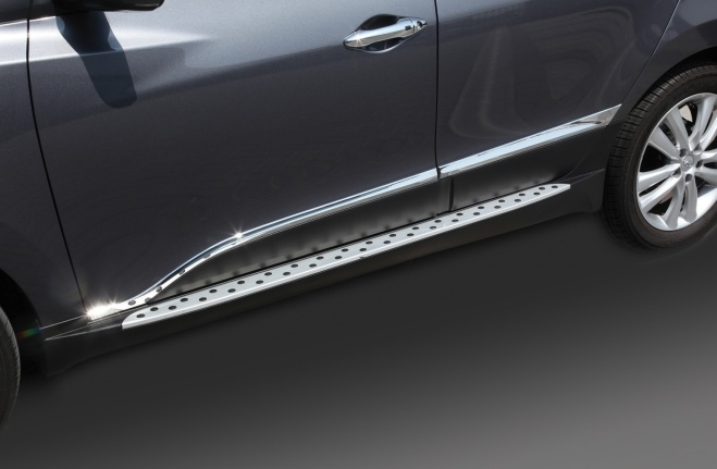 Chrome Side molding