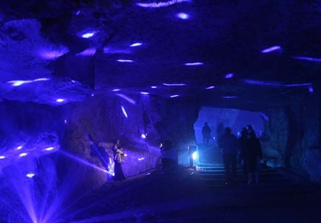 The Jerusalem Festival of Light - Tzidkiyahu Cave
